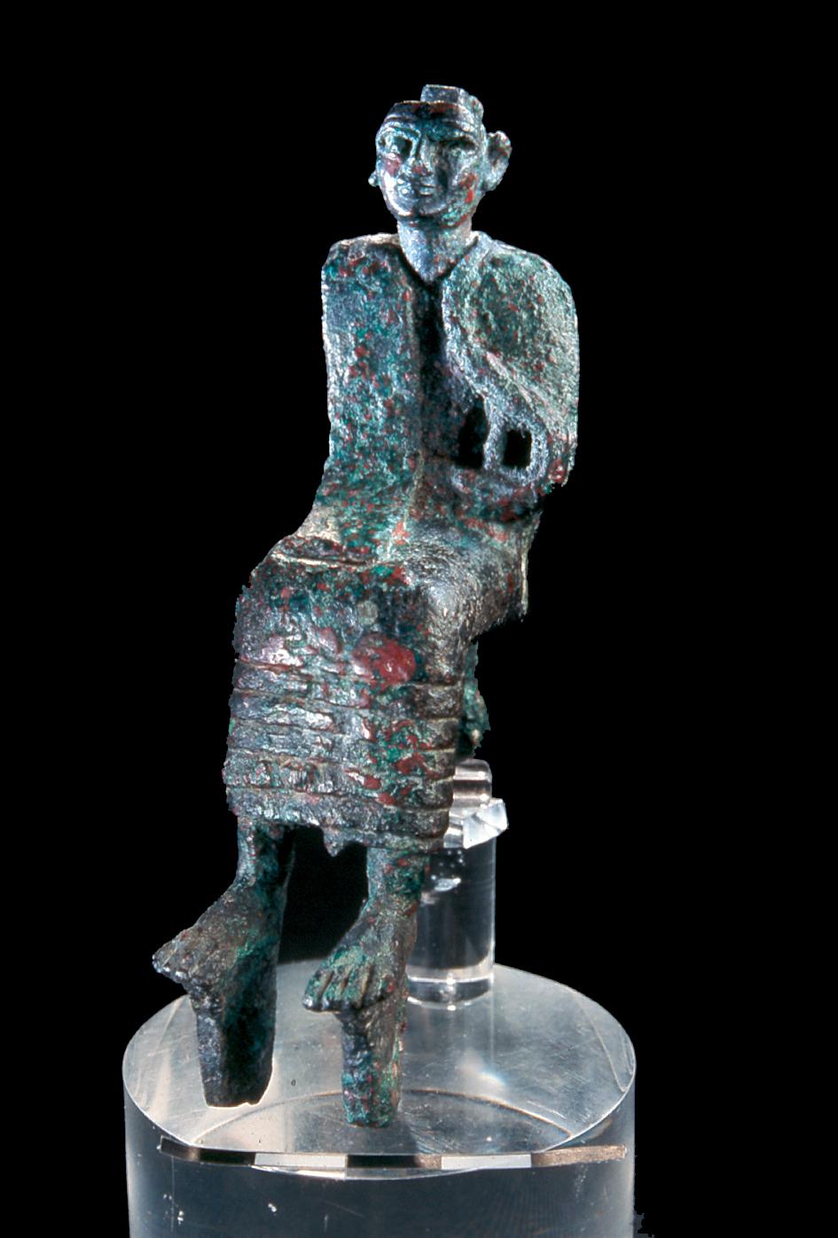 Bronze figurine of a king